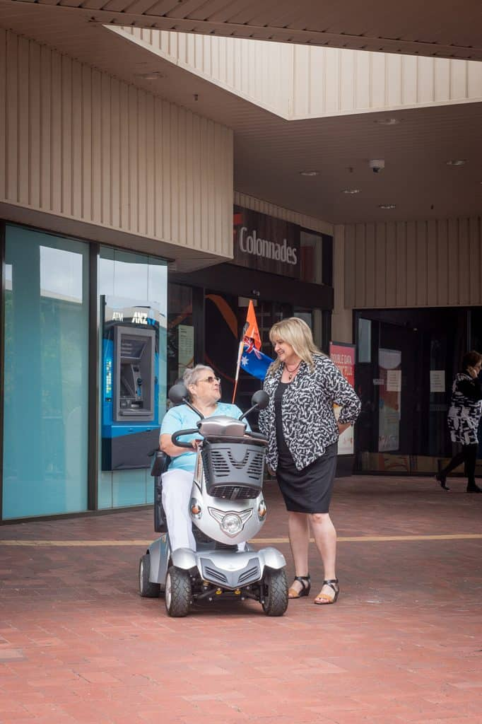 Respite group and Onkaparinga office help with shopping