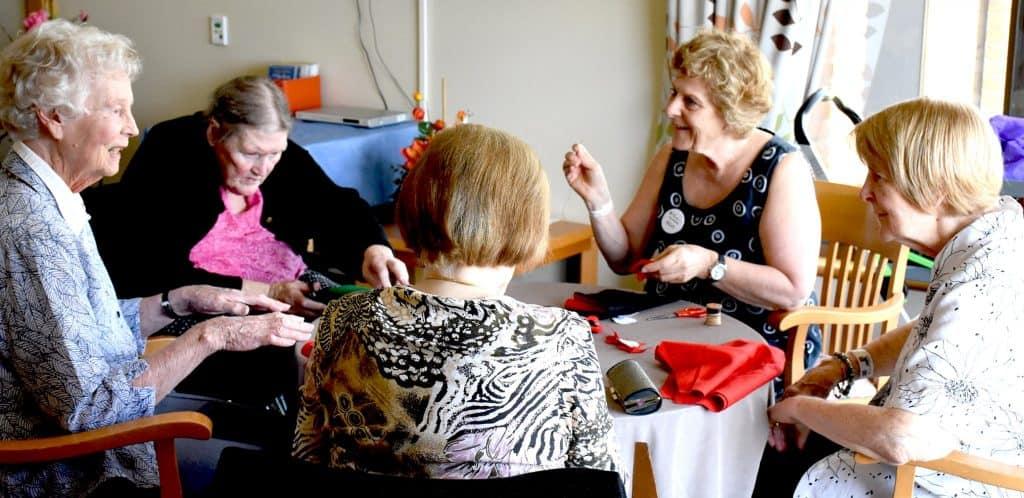 art classes sewing group-web